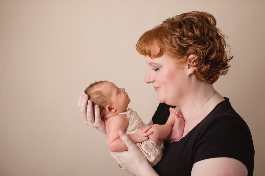 newborn photographers Ottawa, new born photographer Ottawa