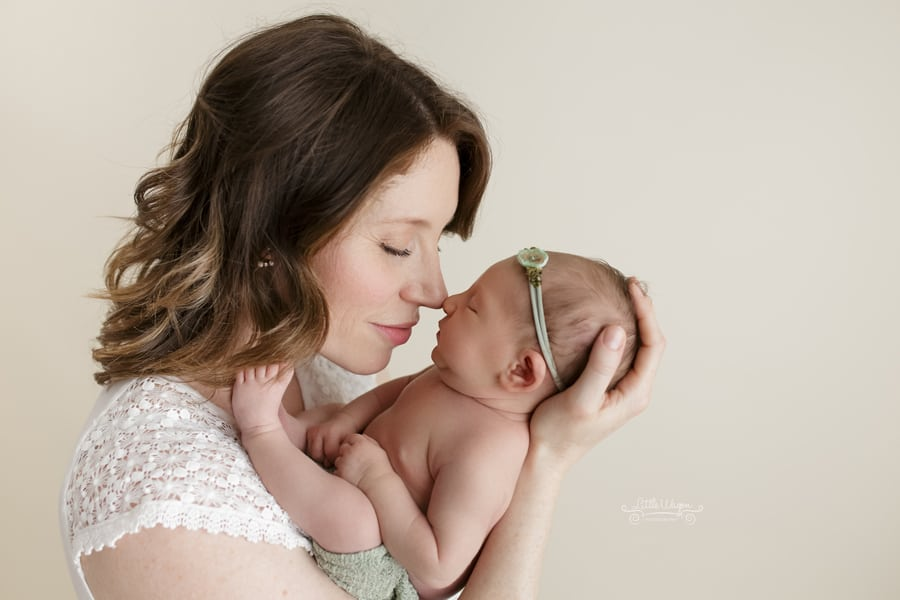 baby photography ottawa, newborn baby and mommy