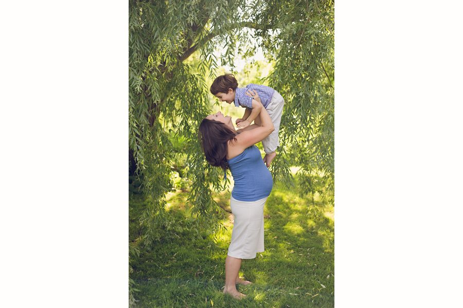 Ottawa outdoor maternity photography, maternity photographer Ottawa