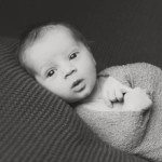 professional newborn photographer ottawa