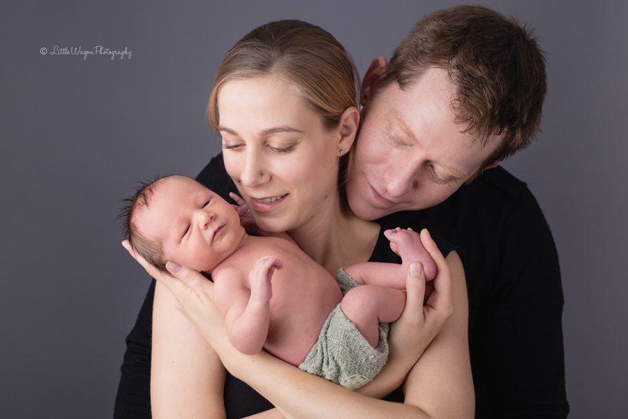 Newborn and baby photographers Ottawa