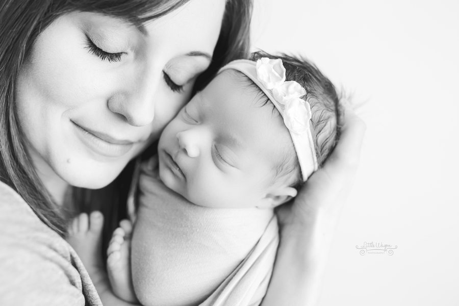 Ottawa's best newborn photographer