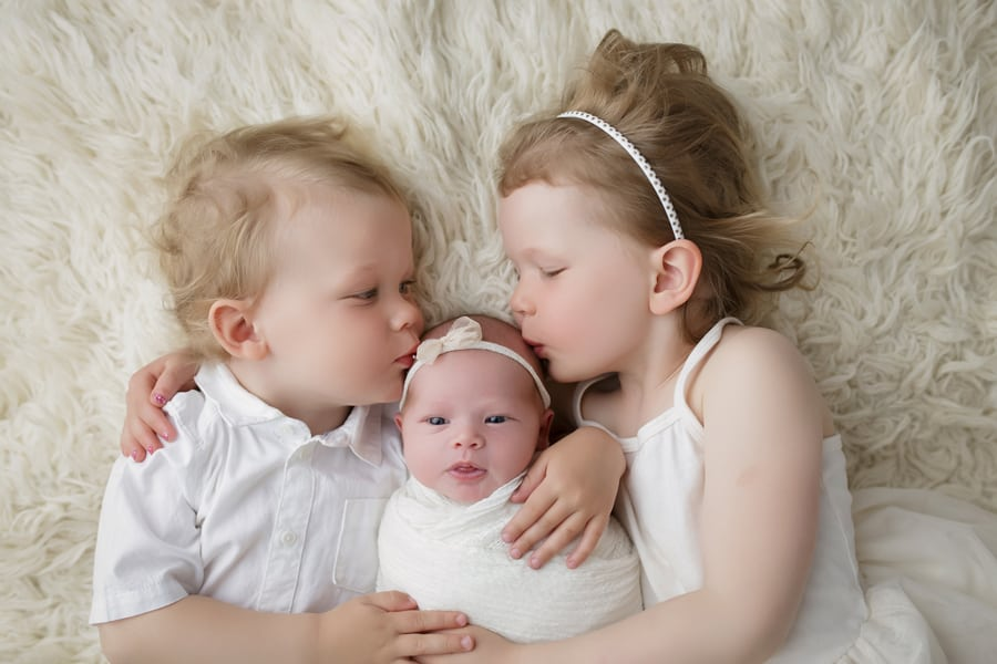 newborn photography, newborn baby and siblings photos