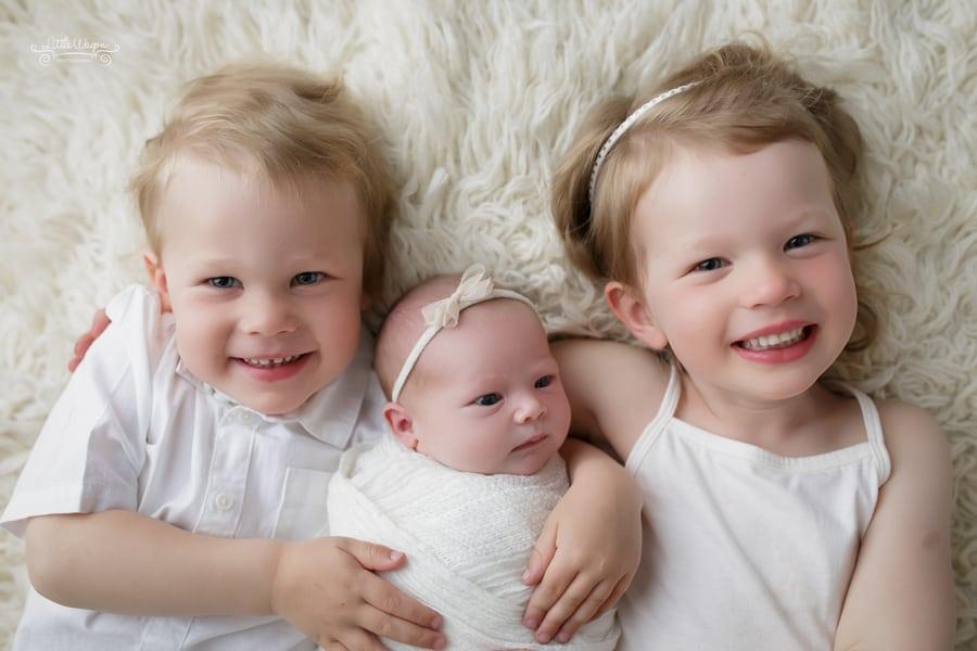 ottawa newborn photographer, best newborn photographer ottawa