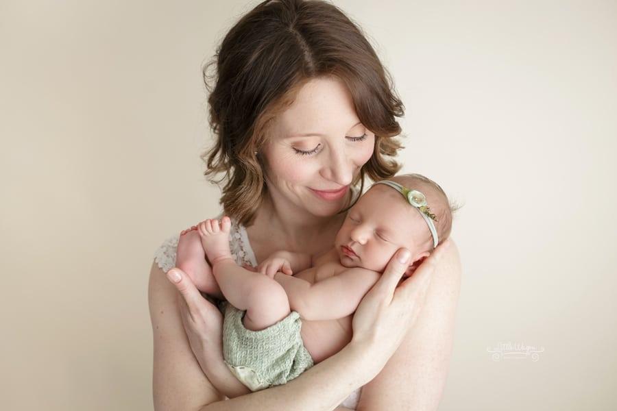 ottawa newborn photographer, baby and mommy